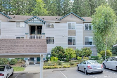 Issaquah Condo/Townhouse For Sale: 25235 SE Klahanie Blvd #P302