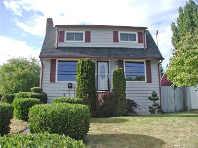 Seattle Single Family Home For Sale: 3220 SW Barton St