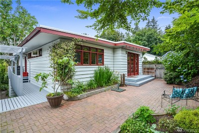 Everett Single Family Home For Sale: 418 Center Place