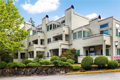 Redmond Condo/Townhouse For Sale: 7513 Old Redmond Rd #408