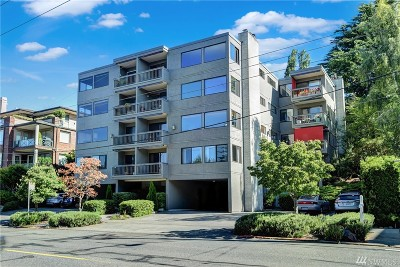 Seattle Condo/Townhouse For Sale: 654 W Olympic Place #203