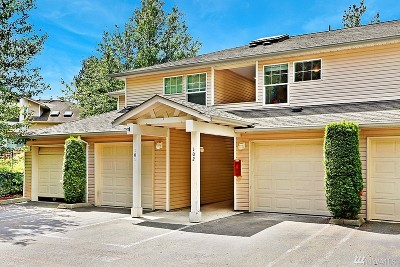 Everett Condo/Townhouse For Sale: 2001 120th Place SE #7-102