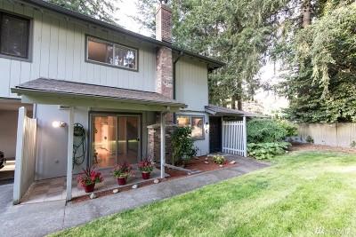Lacey Condo/Townhouse For Sale: 4511 Lexington Place NE #4C