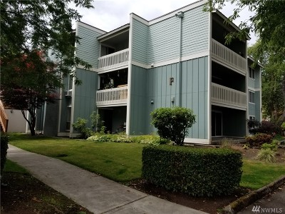 Lakewood Condo/Townhouse For Sale: 7425 Ruby Dr SW #F5