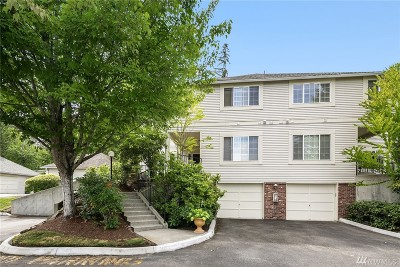 Redmond Condo/Townhouse For Sale: 10909 Avondale Rd NE #Q165