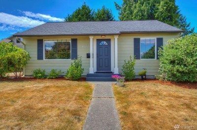 Seattle Single Family Home For Sale: 9727 34th Ave SW