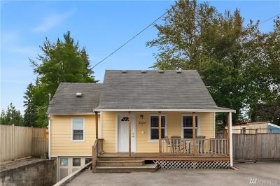 Everett Single Family Home For Sale: 2220 Jackson Ave