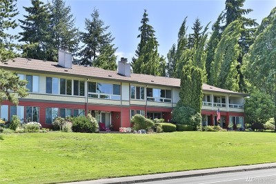 Mountlake Terrace Condo/Townhouse For Sale: 23509 Lakeview Dr #A-201