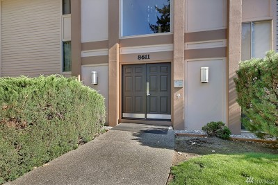 Lakewood Condo/Townhouse For Sale: 8611 Zircon Dr SW #F-6