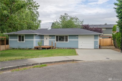 Everson Single Family Home For Sale: 602 Pioneer Ct