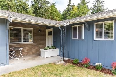Oak Harbor Single Family Home For Sale: 1490 NE Narrows Ave
