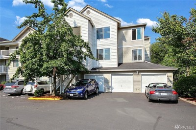 Bothell Condo/Townhouse For Sale: 2009 196th St SE #C304