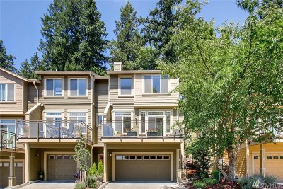 Issaquah Condo/Townhouse For Sale: 23300 SE Black Nugget Rd #G6