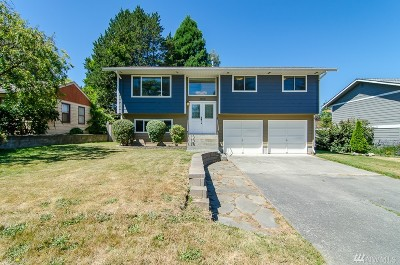 Anacortes Single Family Home For Sale: 3808 Commercial Ave