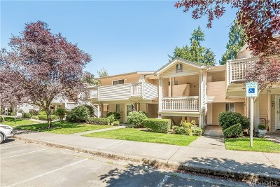 Bothell Condo/Townhouse For Sale: 15615 Waynita Wy NE #B303