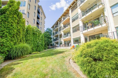 Kirkland Condo/Townhouse For Sale: 9201 NE Juanita Dr #307