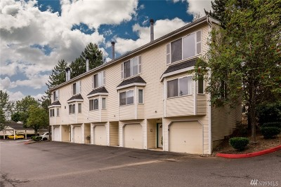 Renton Condo/Townhouse For Sale: 833 SW Sunset Blvd #B7