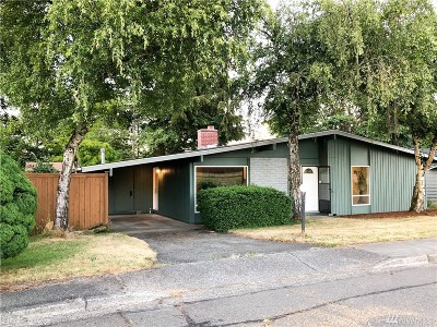 Single Family Home For Sale: 1708 Beacon Wy SE