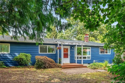Seattle Single Family Home For Sale: 2502 NE 136th St