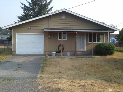 Spanaway Single Family Home For Sale: 107 165th St E