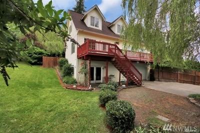 Eatonville Single Family Home For Sale: 105 Cedar Ave S