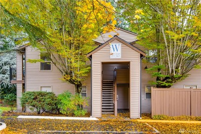 Redmond Condo/Townhouse For Sale: 9805 Avondale Rd NE #W259