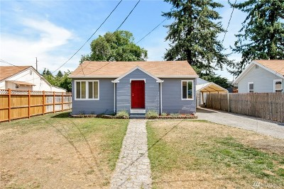 Lakewood Single Family Home For Sale: 11011 Kline St SW
