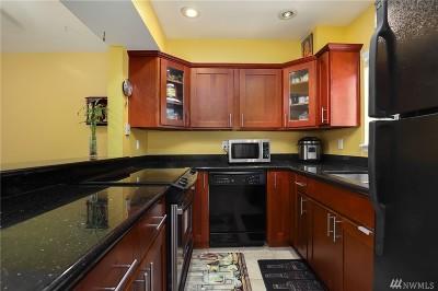 Bellevue Condo/Townhouse For Sale: 2500 118th Ave SE #302