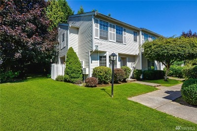 Kent Condo/Townhouse For Sale: 23955 58th Ct S #E1