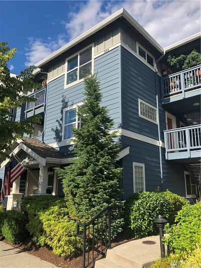 Issaquah Condo/Townhouse For Sale: 1652 NE 25th Place #204
