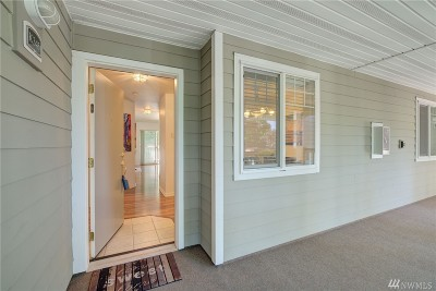 Issaquah Condo/Townhouse For Sale: 18501 SE Newport Wy #K-345