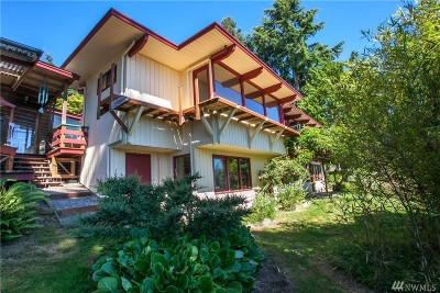 Bainbridge Island Single Family Home For Sale: 11362 Sunrise Dr NE
