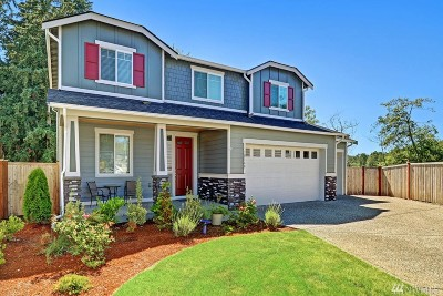 Lake Stevens Single Family Home Contingent: 10168 33rd Place NE