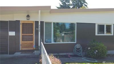 Renton Single Family Home For Sale: 2209 NE 9th St