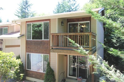 Gig Harbor Condo/Townhouse For Sale: 4605 56th St NW. #3B