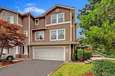 Snohomish Condo/Townhouse For Sale: 14200 69th Dr SE #Q4