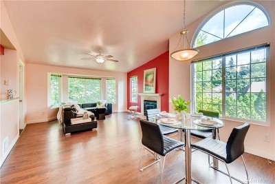 Kirkland Condo/Townhouse For Sale: 10004 NE 120th Lane #A303