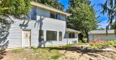 Everett Single Family Home For Sale: 10633 Holly Dr