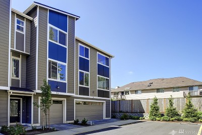 Lynnwood Single Family Home For Sale: 3312 156th St SW #E-4