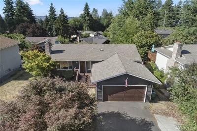 Kirkland Single Family Home For Sale: 10620 NE 55th St