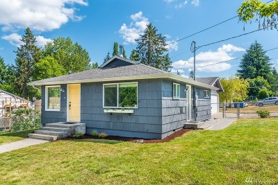 Tacoma Single Family Home For Sale: 1202 E 54th St