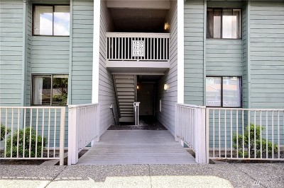 Renton Condo/Townhouse For Sale: 1305 S Puget Dr #B-21