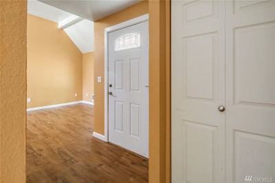 Renton Condo/Townhouse For Sale: 14600 SE 176th St #W12