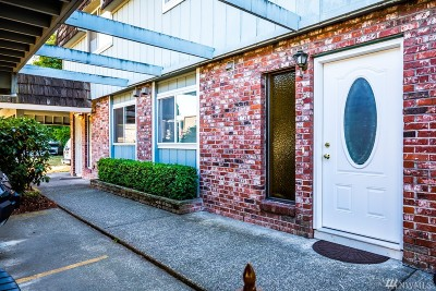 Renton Condo/Townhouse For Sale: 13950 SE 173rd Place #2