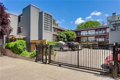 Condo/Townhouse For Sale: 752 Bellevue Ave E #303