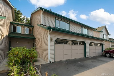 Lynnwood Condo/Townhouse For Sale: 15815 Admiralty Wy #B7
