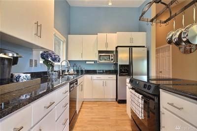 Issaquah Condo/Townhouse For Sale: 200 Mt Park Blvd SW #A304