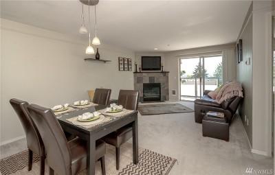 Tukwila Condo/Townhouse For Sale: 15330 Sunwood Blvd #E203