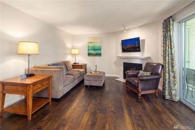 Renton Condo/Townhouse For Sale: 1900 NE 48th St #A201