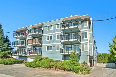 Seattle Condo/Townhouse For Sale: 10110 Greenwood Ave N #205